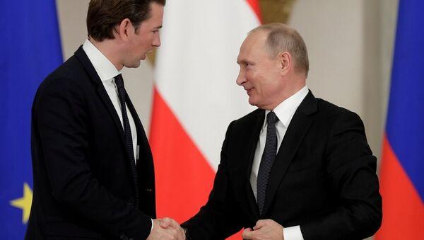 Rusya Devlet Başkanı Vladimir Putin ile Avusturya Başbakanı Sebastian Kurz - Sputnik Türkiye