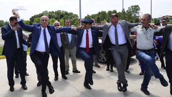 Danslarıyla dikkat çeken siyasetçiler - Sputnik Türkiye