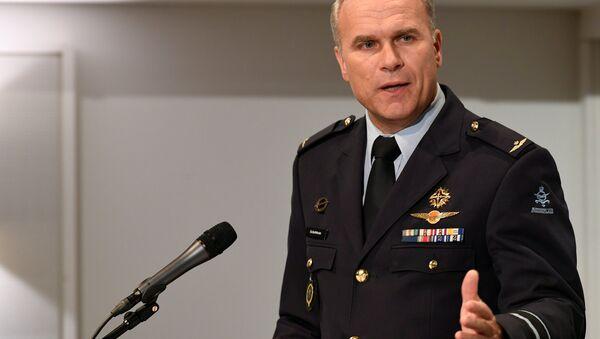 General Onno Eichelsheim, Hollanda Savunma İstihbarat ve Güvenlik Servisi Direktörü - Sputnik Türkiye