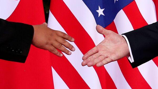 ABD Başkanı Donald Trump-Kuzey Kore lideri Kim Jong-un - Sputnik Türkiye
