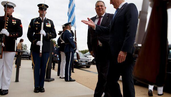 ABD Savunma Bakanı James Mattis- Yunanistan Savunma Pakanı Panagiotis Kammenos - Sputnik Türkiye