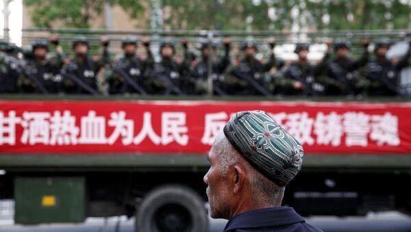 Sincan Uygur Özerk Bölgesi'ndeki Çin askerleri - Sputnik Türkiye