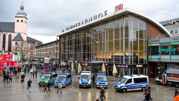 Köln Merkez Tren İstasyonu - Sputnik Türkiye
