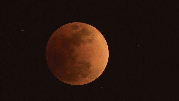 Çin, uzaya 'yapay Ay' gönderiyor: Güneş ışığını dünyaya yansıtacak - Sputnik Türkiye