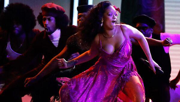 Rihanna 2018 Grammy Ödülleri'nde - Sputnik Türkiye