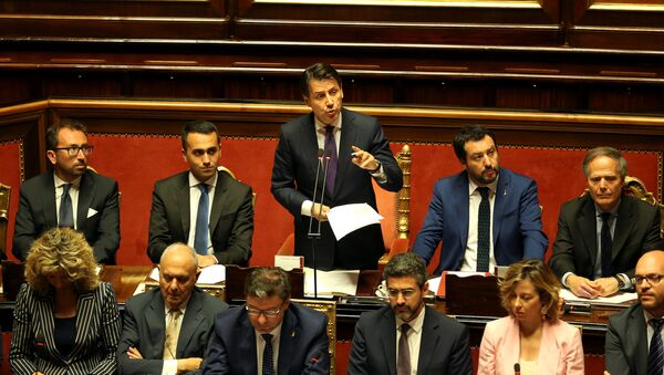 Newly appointed Italian Prime Minister Giuseppe Conte speaks next to Interior Minister Matteo Salvini, Minister of Labor and Industry Luigi Di Maio, Minister of Justice Alfonso Bonafede and Foreign Minister Enzo Moavero Milanesi during his first session at the Senate in Rome, Italy, June 5, 2018 - Sputnik Türkiye