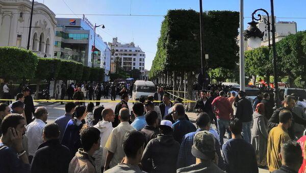 Tunus'ta bir kadın üzerindeki bombayı infilak ettirdi - Sputnik Türkiye