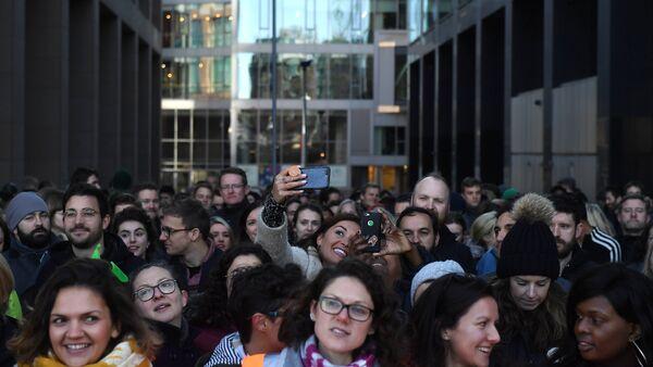 İrlanda'nın başkenti Dublin'deki Google ofislerinde iş bırakma eylemi - Sputnik Türkiye