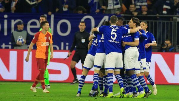 Galatasaray, Schalke deplasmanından 2-0 mağlup ayrıldı - Sputnik Türkiye