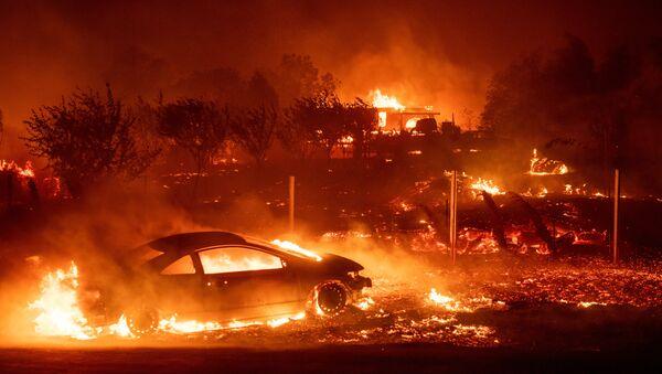 ABD'nin Kaliforniya eyaletinde yangın - Sputnik Türkiye