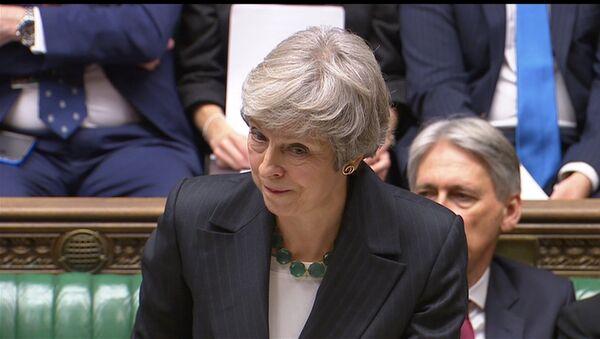 Theresa May, Avam Kamarası'nda Brexit anlaşmasıyla ilgili soruları yanıtladı. - Sputnik Türkiye