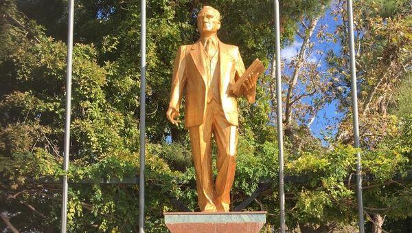Atatürk heykeli - Sputnik Türkiye