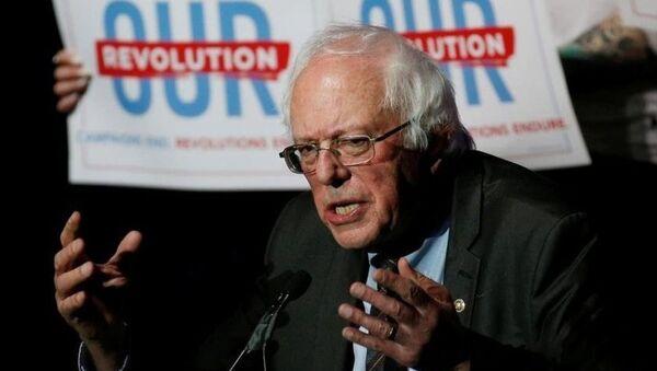 Bernie Sanders 6 Kasım 2018 ara seçimleri için 'Bizim Devrimimiz' sloganıyla kampanya yürüttü. - Sputnik Türkiye