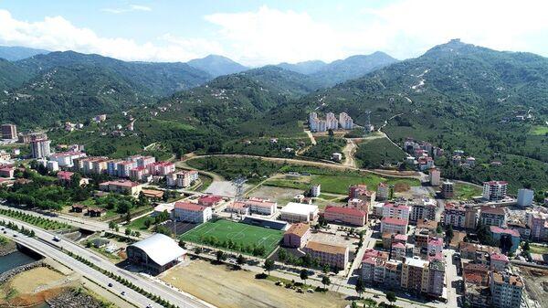 Otel ve alışveriş merkezi yapılmak üzere Arap yatırımcıya satılan Trabzon'un Beşikdüzü ilçesinde Şehit Üstteğmen Erdal Kurtoğlu Parkı  - Sputnik Türkiye