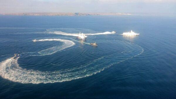 Kerç Boğazı'na hücum eden Ukrayna savaş gemileri - Sputnik Türkiye