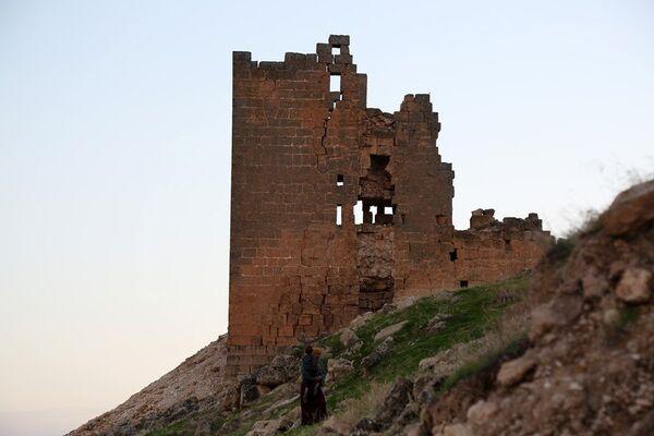 Diyarbakır-Mardin arasında bulunan Zerzevan Kalesi - Sputnik Türkiye