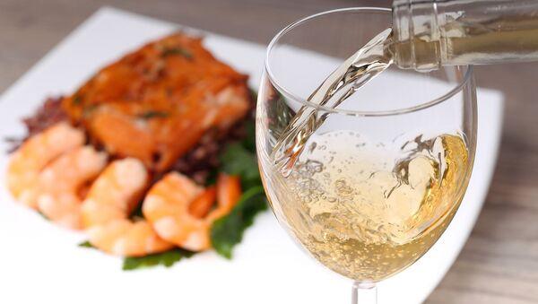 Şarap ve balık - Sputnik Türkiye