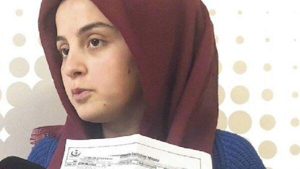 Karnında bant unutulduğunu iddia eden kadın - Sputnik Türkiye