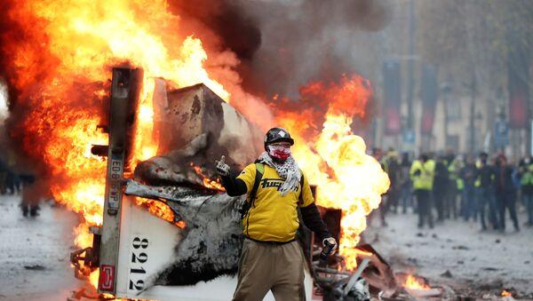 Fransa'da Sarı Yelekler protestosu - Sputnik Türkiye