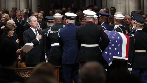 George W. Bush-George H. W. Bush'un cenazesi - Sputnik Türkiye