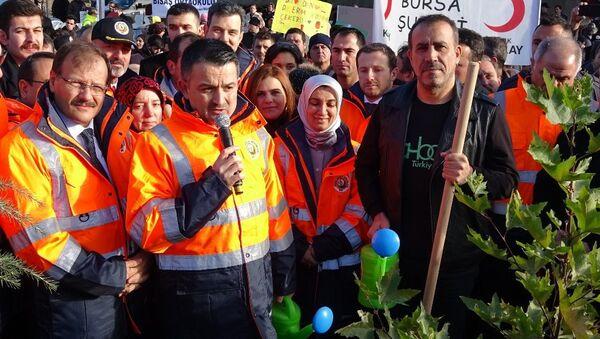 Tarım ve Orman Bakanı Dr. Bekir Pakdemirli ve sanatçı Haluk Levent - Sputnik Türkiye
