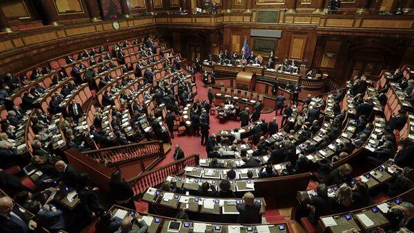 İtalya'yı karıştıran olay: Parlamentoda seks skandalı - İtalya parlamento - Sputnik Türkiye