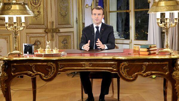 Macron'un önceden kaydedilmiş konuşması 13 dakika sürdü. - Sputnik Türkiye