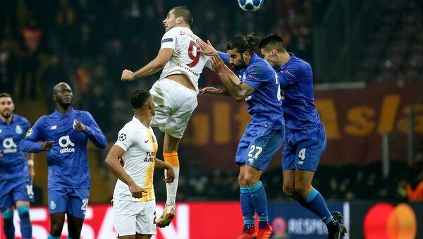 Şampiyonlar Ligi'nde Porto'ya 3-2 yenilen Galatasaray, grubu 3. sırada tamamlayarak UEFA Avrupa Ligi'ne kaldı - Sputnik Türkiye
