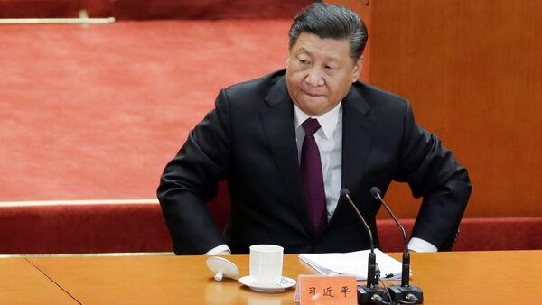 Şi Cinping, Çin Komünist Partisi'nin (ÇKP) reform ve açılım politikasına başlamasının 40. yıldönümünde Ulusal Halk Kongresi'ne evsahipliği yapan Büyük Halk Salonu'nda düzenlenen törende konuştu. - Sputnik Türkiye