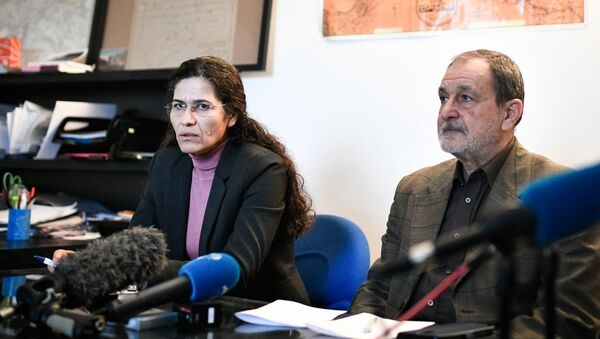 Demokratik Suriye Meclisi (DSM) Eş Başkanı Riyad Derar ve DSM Yürütme Kurulu Başkanı İlham Ehmed - Sputnik Türkiye