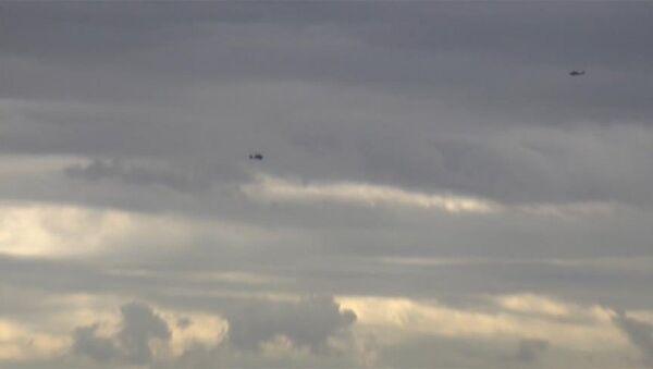 ABD helikopterleri Menbiç üzerinde alçak uçuş yaptı - Sputnik Türkiye