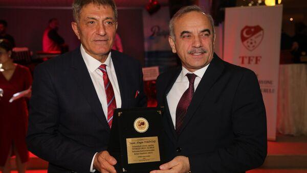 Türkiye Futbol Federasyonu (TFF) Merkez Hakem Kurulu Üyesi Alican Lakot (solda) - Sputnik Türkiye