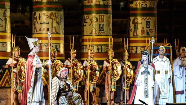Giuseppe Verdi'nin Aida operası, 2017'de Guangzhou'da sahnelenirken - Sputnik Türkiye