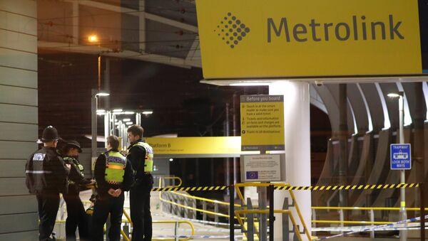 Manchester'ın Victoria istasyonunda bıçaklama olayının ardından polis inceleme yürüttü. - Sputnik Türkiye