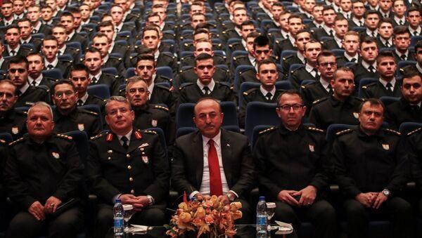 Çavuşoğlu, Jandarma ve Sahil Güvenlik Akademisi Başkanlığının düzenlediği konferansta katılımcılara hitap etti. - Sputnik Türkiye