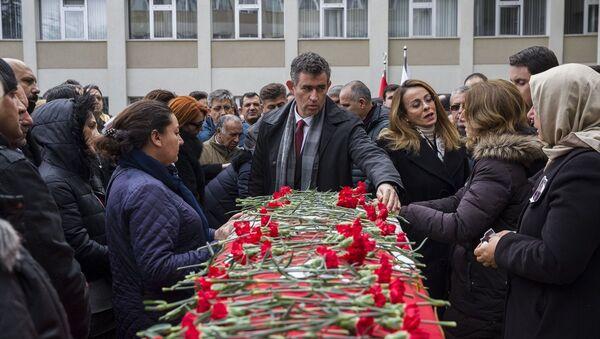 Ceren Damar Şenel - Sputnik Türkiye