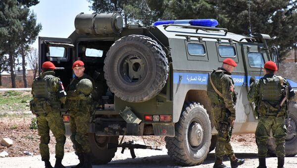 Suriye'nin Menbiç kentinde görev yapan Rus Askeri Polisi - Sputnik Türkiye