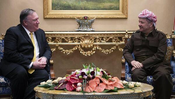 Kürdistan Demokrat Partisi (KDP) Başkanı Mesud Barzani ve ABD Dışişleri Bakanı Mike Pompeo - Sputnik Türkiye