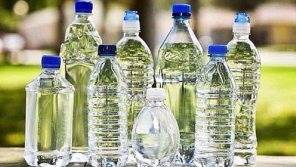 Plastik su şişesi - Sputnik Türkiye