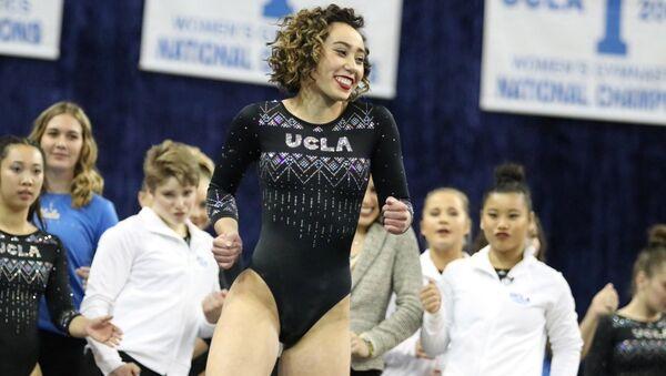 Kaliforniya Üniversitesi'nden (UCLA) jimnastikçi Katelyn Ohashi - Sputnik Türkiye