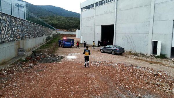 İzmir'de bir fabrikada kazan patladı: 2 ölü ve 3 yaralı - Sputnik Türkiye