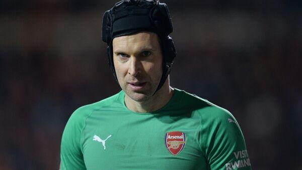 Arsenal forması giyen Çek kaleci Peter Cech - Sputnik Türkiye