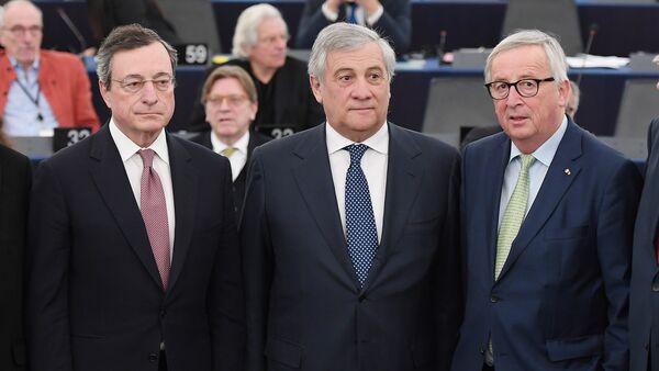 Avrupa Merkez Bankası (ECB) Başkanı Mario Draghi- Avrupa Parlamentosu (AP) Başkanı Antonio Tajani-Avrupa Birliği Komisyonu Jean-Claude Junker - Sputnik Türkiye