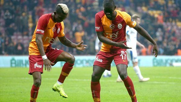 Galatasaray, ikinci yarıya 'farklı' başladı - Sputnik Türkiye