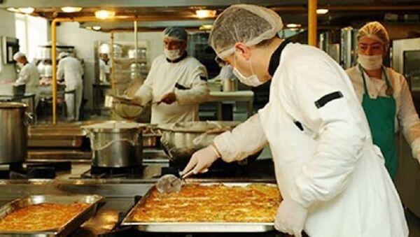 Meclis'in aşçısı önerge yazınca AK Partililer: Yemeklerin de bu kadar iyi olsaydı çoktan kadroyu almıştın - Sputnik Türkiye