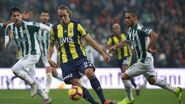 Spor Toto Süper Lig'inin 18. hafta maçında Fenerbahçe ve Bursaspor 1-1 berabere kaldı. - Sputnik Türkiye