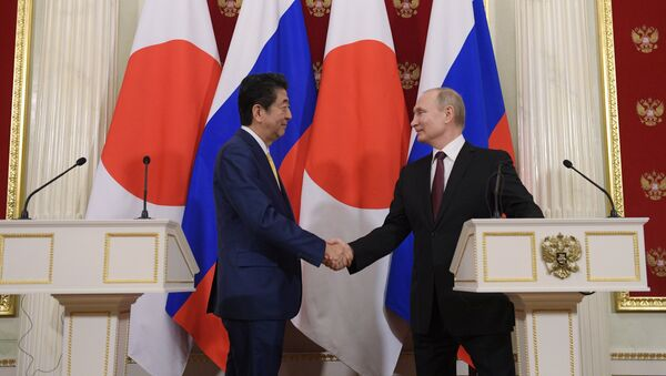 Russian President Putin, Japanese PM Abe Hold Joint Presser - Sputnik Türkiye