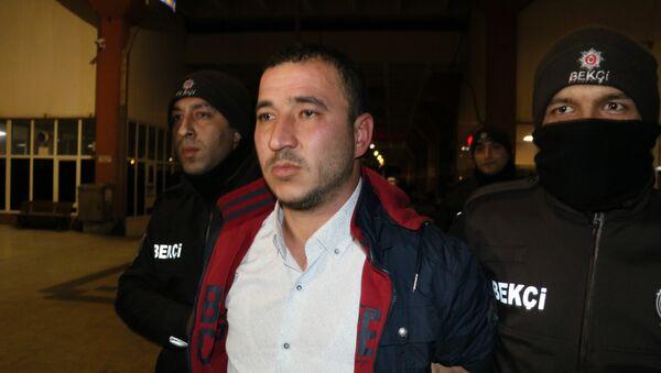 Adana'da bir ihbar: 'Canlı bombayım, kendimi patlatacağım' - Sputnik Türkiye