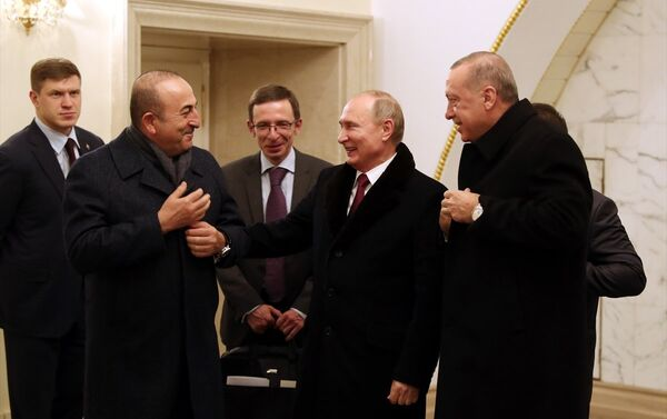 Dışişleri Bakanı Mevlüt Çavuşoğlu, Rusta Devlet Başkanı Vladimir Putin, Cumhurbaşkanı Recep Tayyip Erdoğan - Sputnik Türkiye