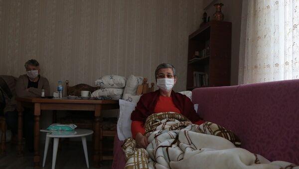 Leyla Güven'in sağlık kontolleri Diyarbakır Tabip Odası'ndan (DTO) doktorlar tarafından yapılıyor. Ayrıca Güven'in sağlık durumunun bundan sonra DTO'dan doktorlar tarafından takip edileceği belirtildi. - Sputnik Türkiye